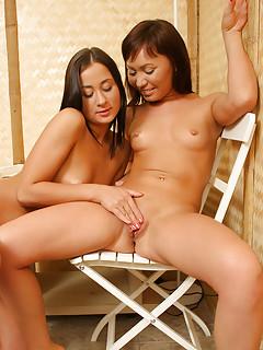 Brunette Lesbians Porn